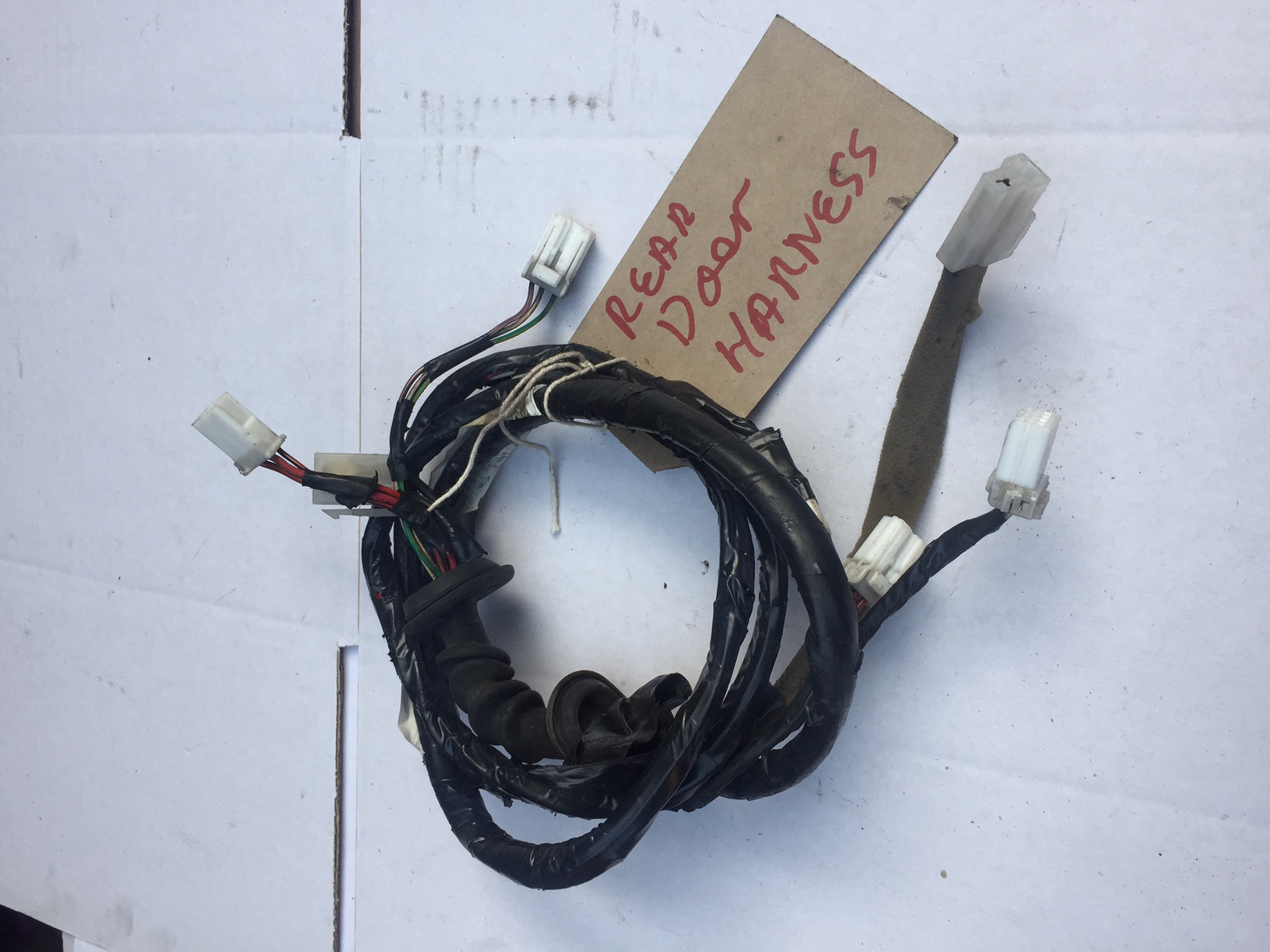 rear door wiring harness bongospares co uk rh bongospares co uk wiring harness company wiring harness company