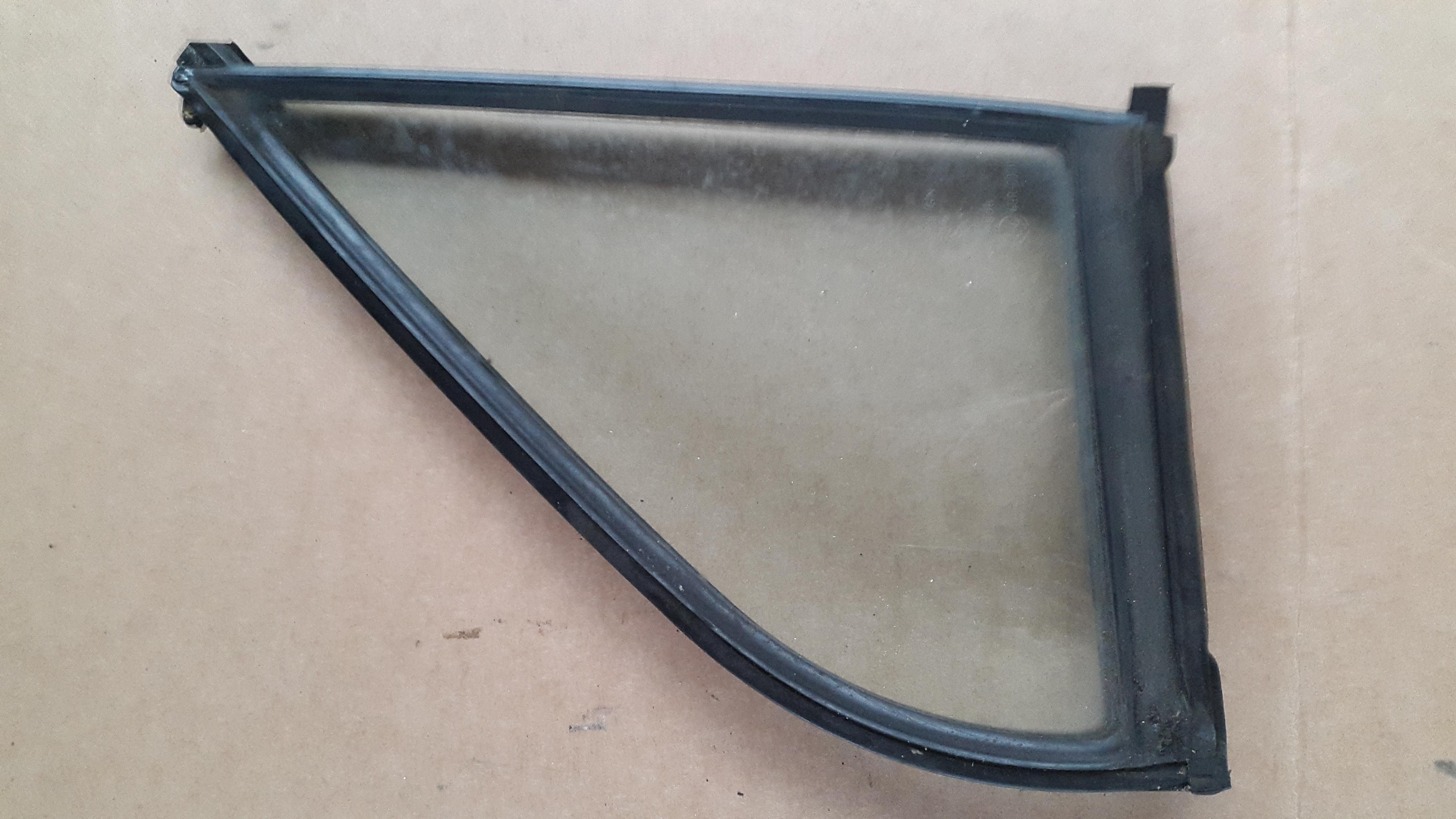 mazda bongo passenger side qtr glass